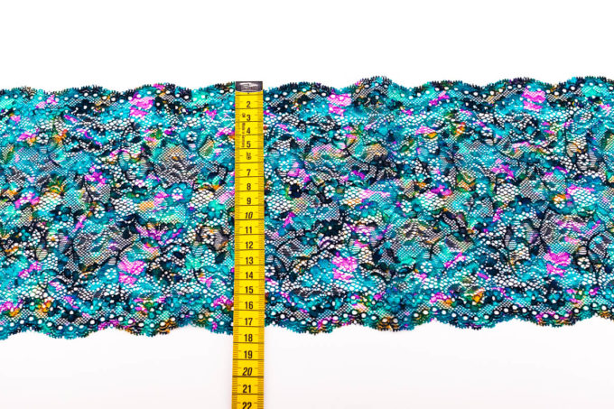 elastische Spitze im batik look